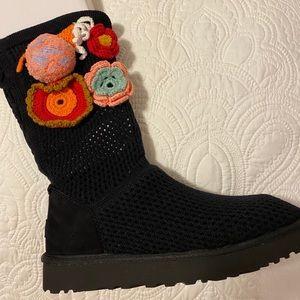 Ugg: Women's Crochet Classic in Black